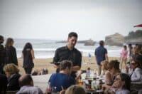 cafe avec vue sur la mer a la Grande Plage Biarritz