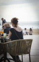 salon de the avec vue sur la mer a la GRANDE PLAGE BIARRITZ